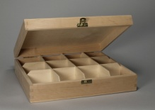 Box with 12 compartments