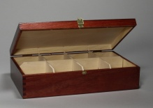 Box with 8 compartments