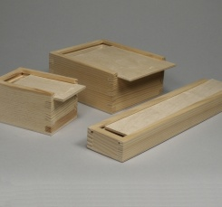 Boxes with sliding lid