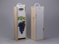 Wine box with white lid